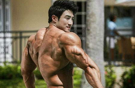 Упражнения для мышц спины. Подтягивание